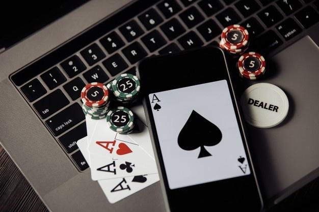 เล่นคาสิโนออนไลน์-ไพ่และมือถือ